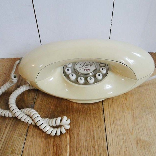 telephone-lady-1