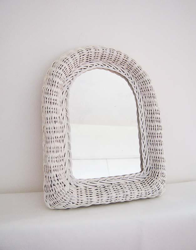 Miroir ancien en rotin blanc des ann es 60 paulette for Miroir rotin blanc